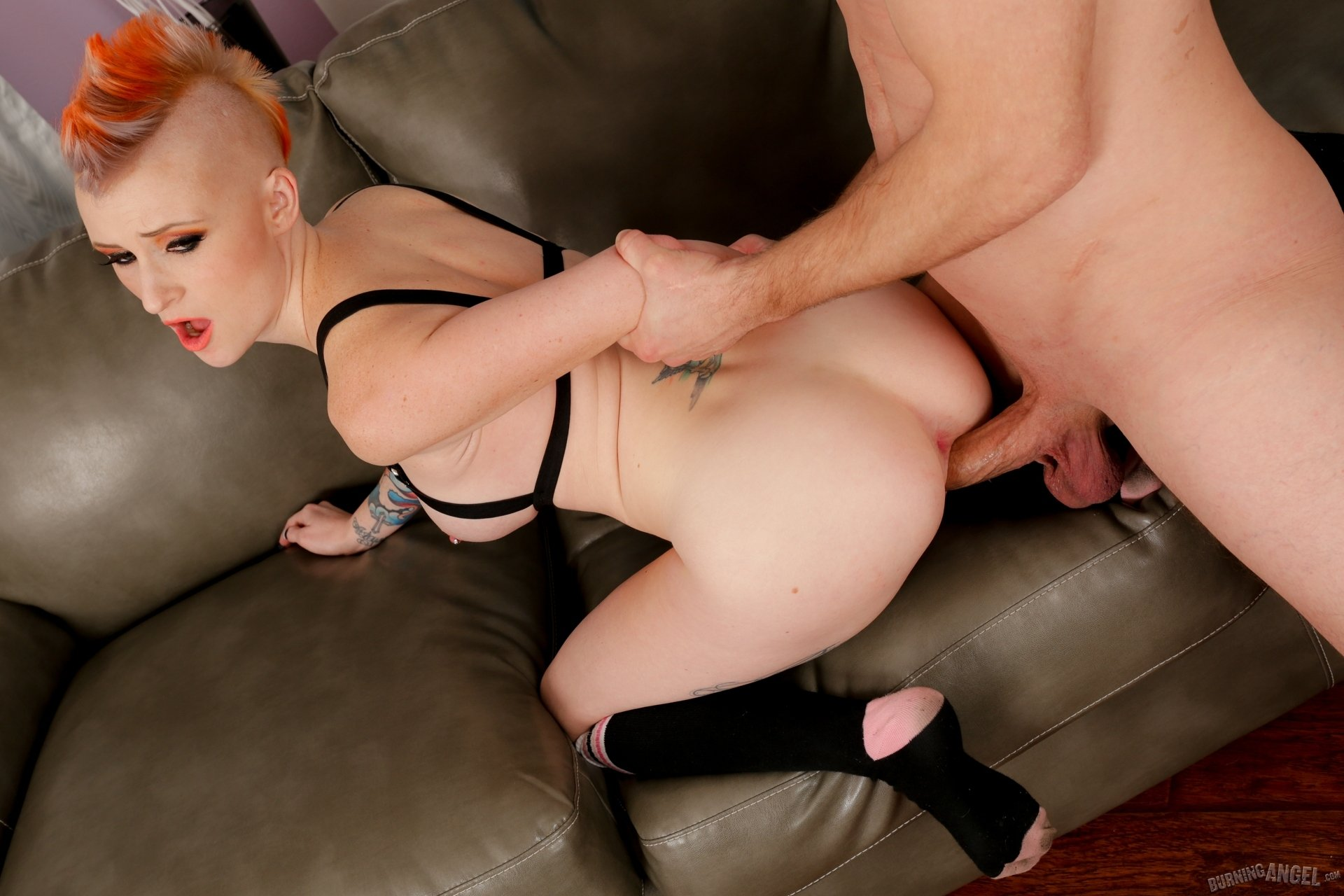 Sexy sex sites Mp44065ssy winters forces cuckold to watch her takes bbc