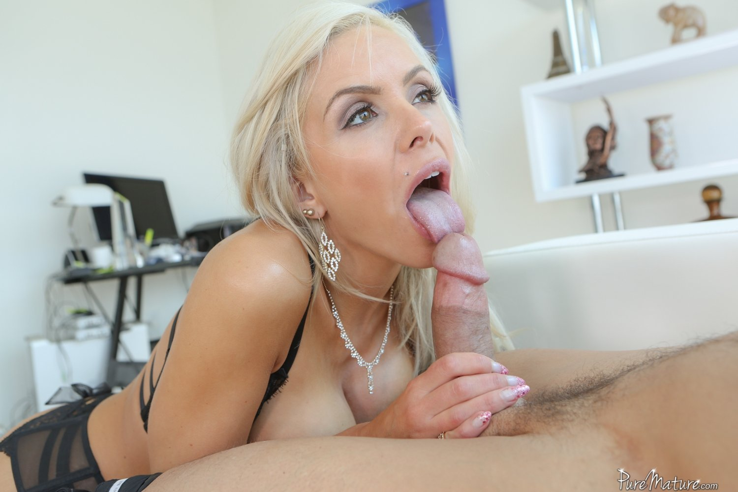 Free amateur videos of first time swingers