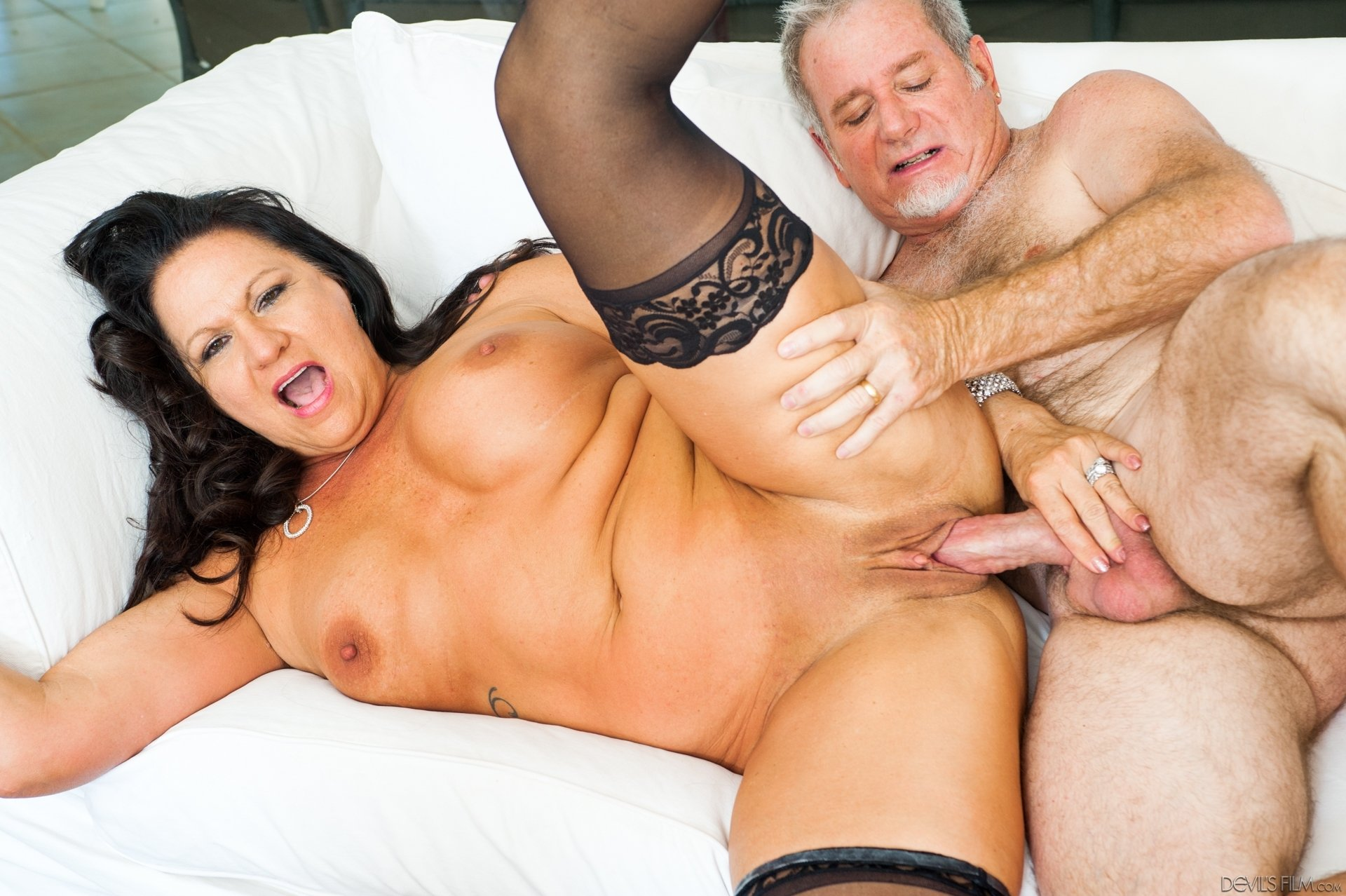 Duty family wife creampie party
