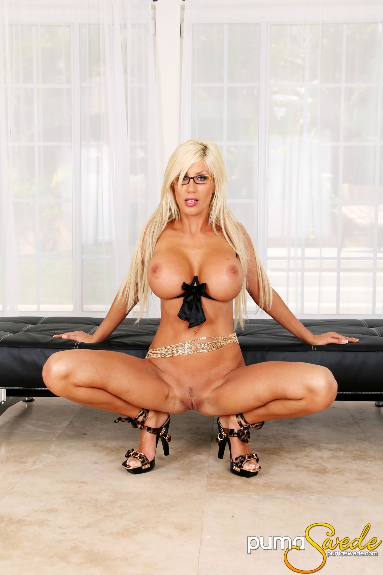milfs with natural breasts