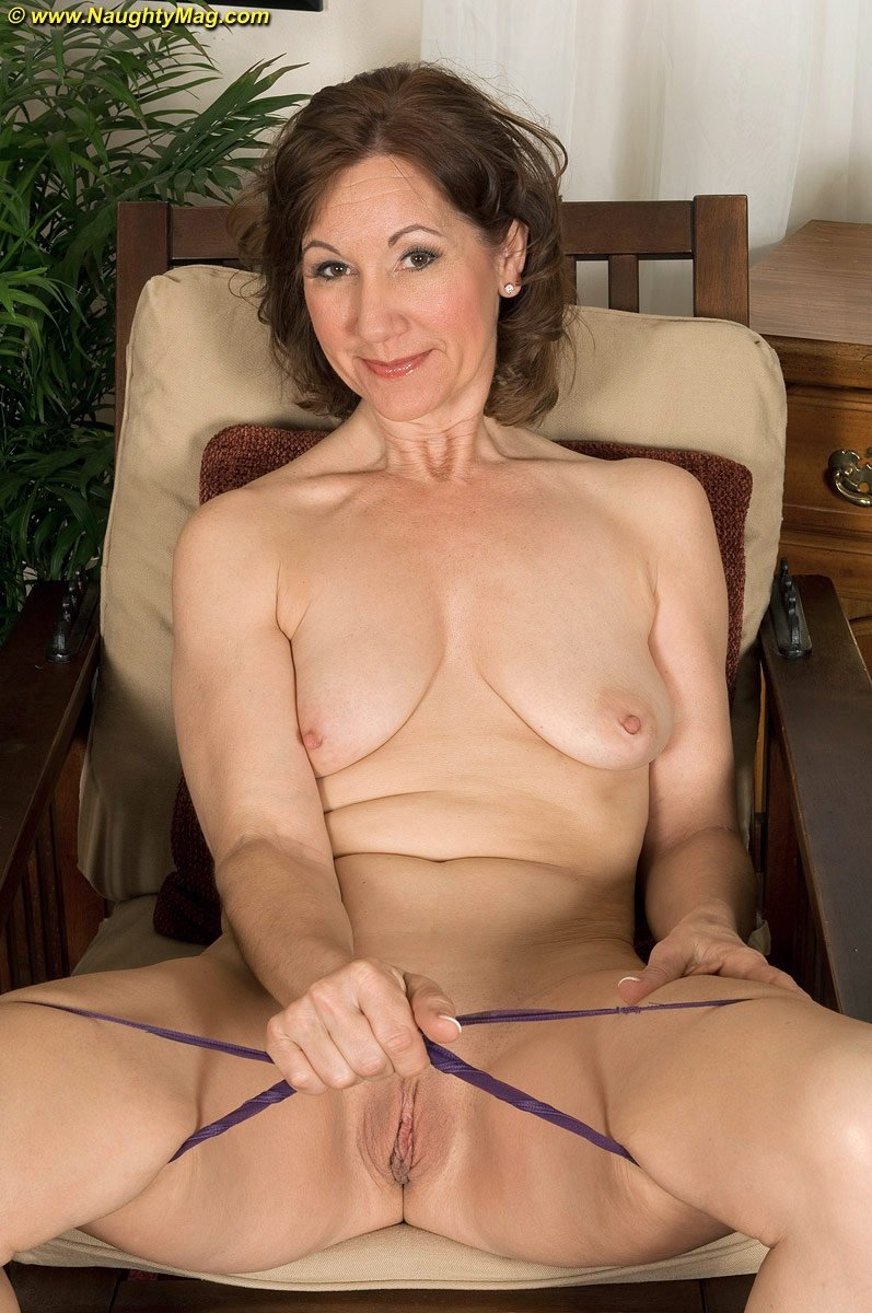 Wife talk and looks at hubby while bbc