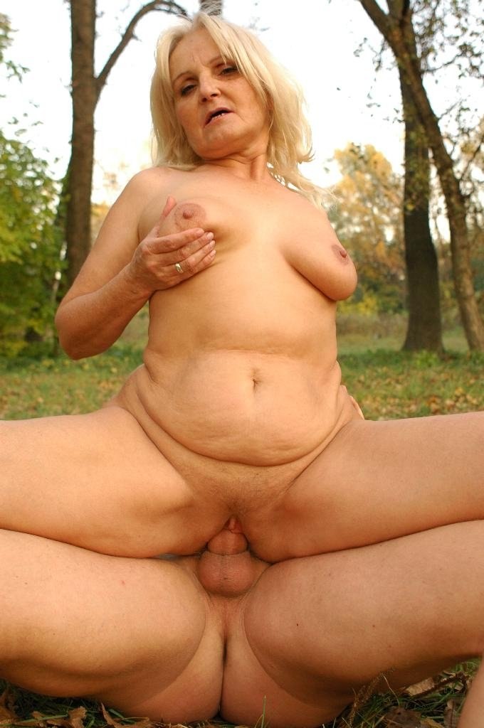 My perfect 10 nude wife