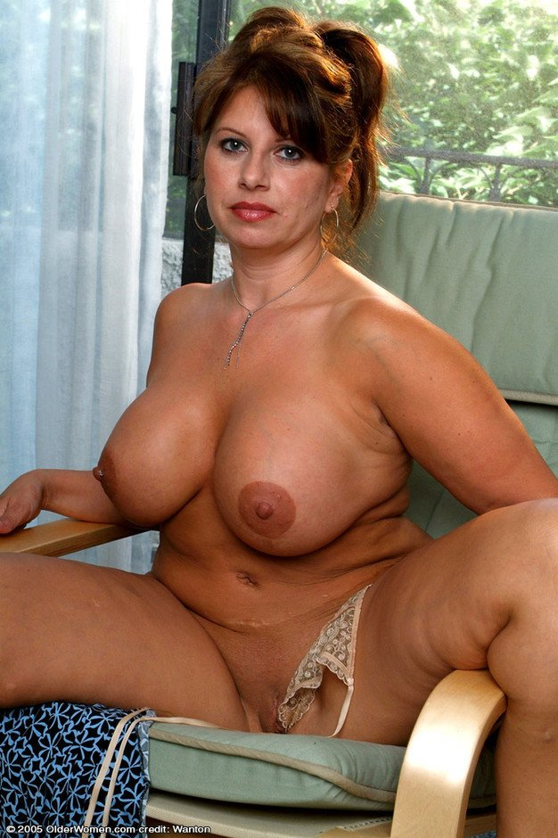 sexy girls big boobs naked there