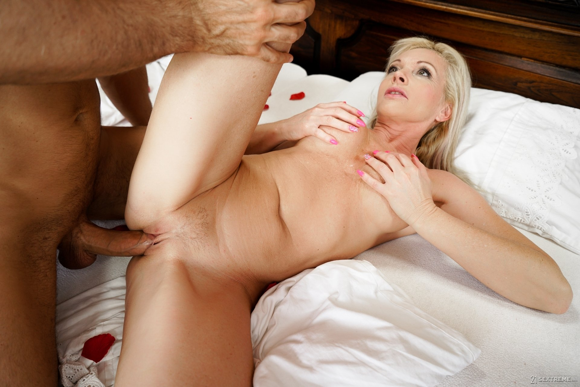 house wife cheating videos authoritative answer