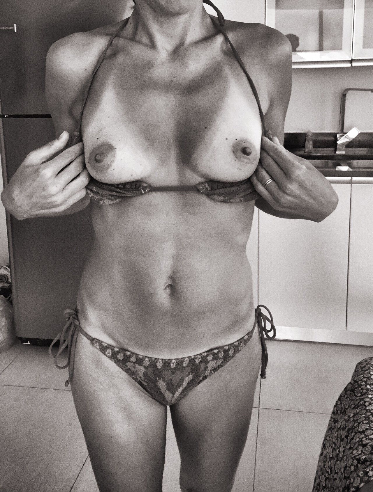 mature naked indian women