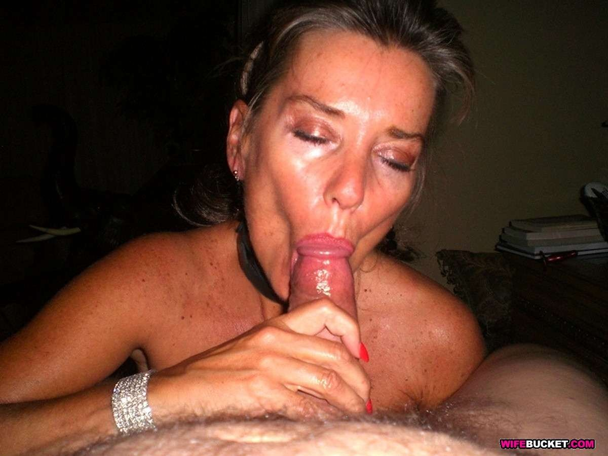 Free mature woman web cam