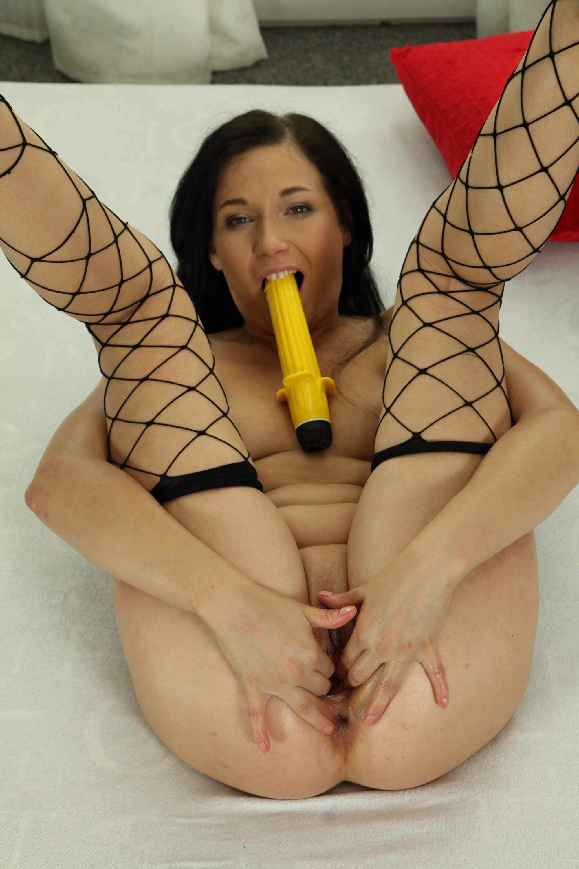 Squirting With Vibrators In Both Holes