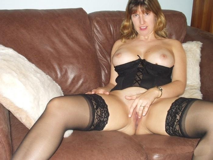 Amateur gal with mom