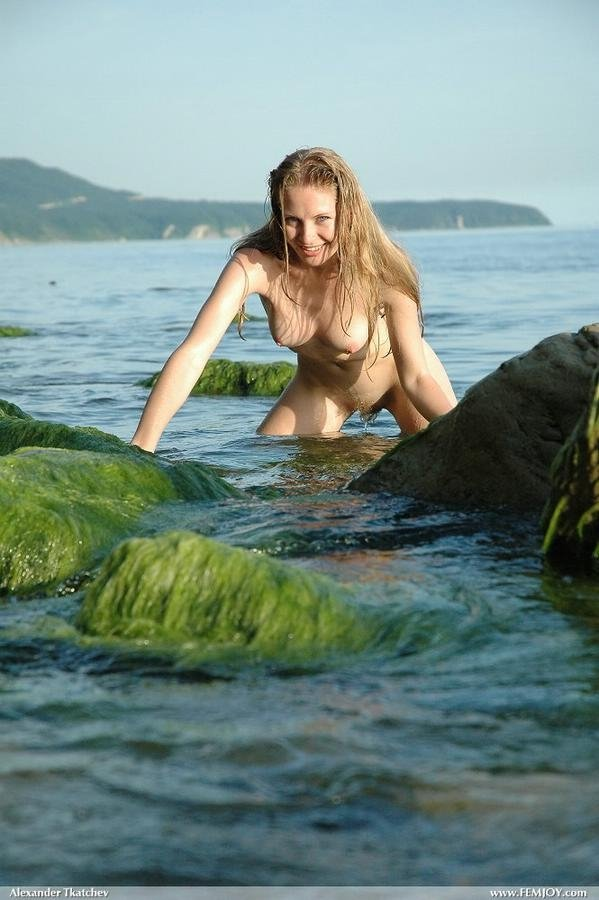 Wife pays theif nude candid beach