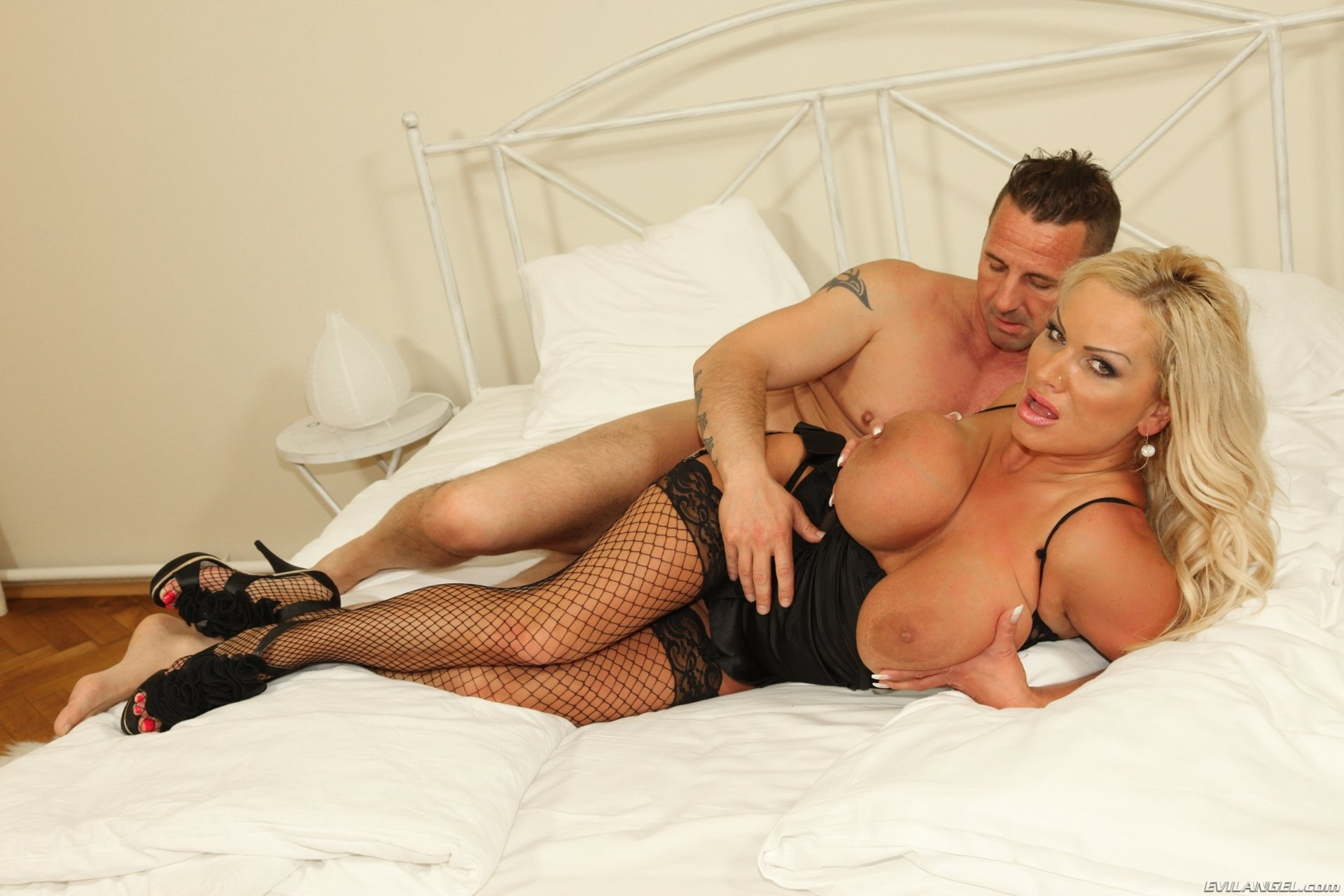 Horny minx Taylor Bliss destroyed by huge cock add photo