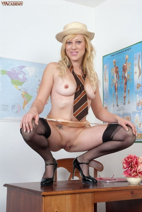 Artistic family nude pictures