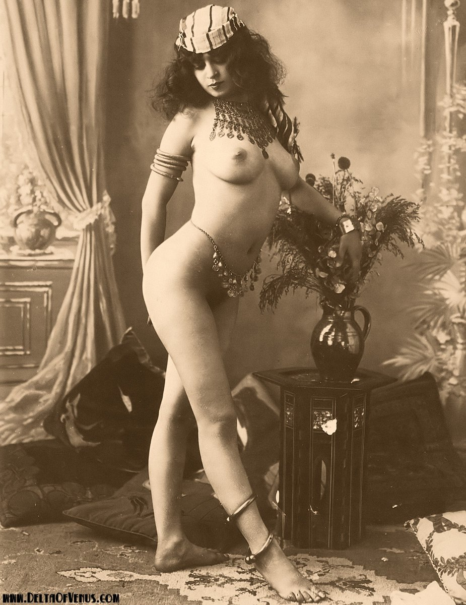 Nibei    reccomended sexy ladies in stockings and suspenders