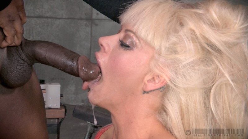 Wife loves to give blow job african booty porn pics