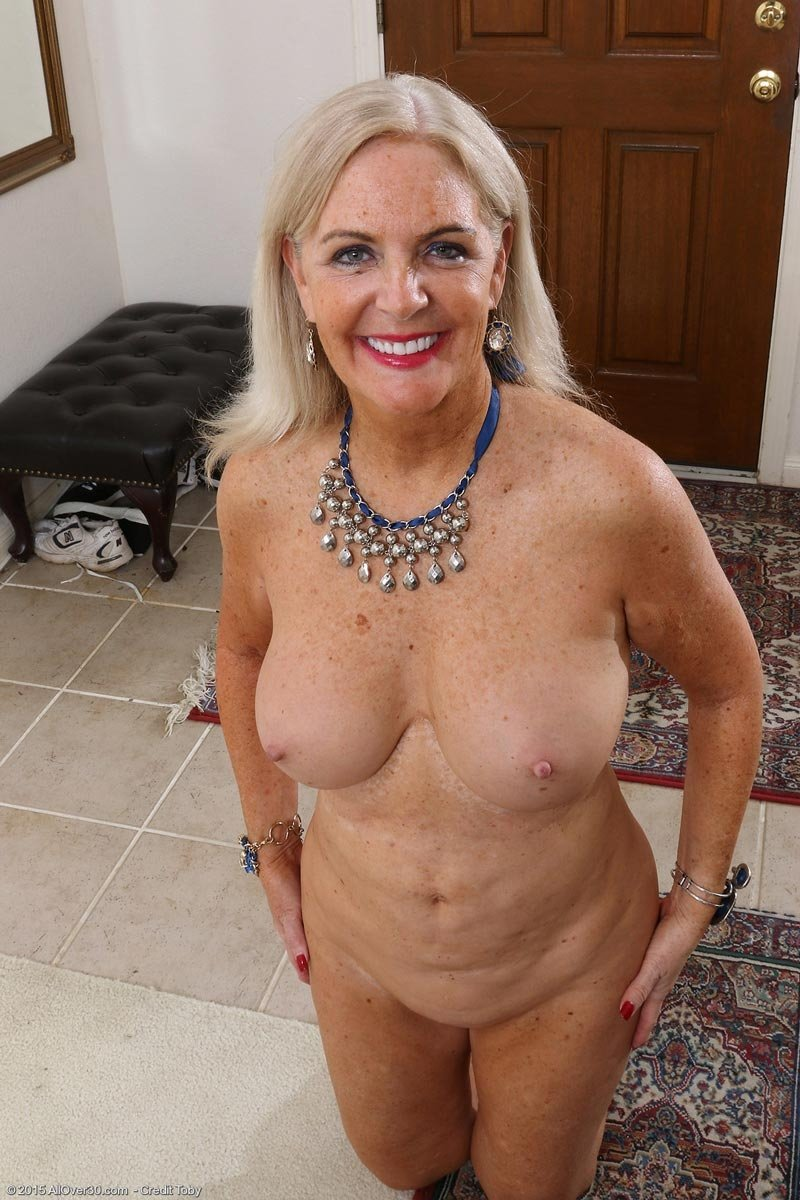 Cuckold cock sucker tube red tube milf big tits