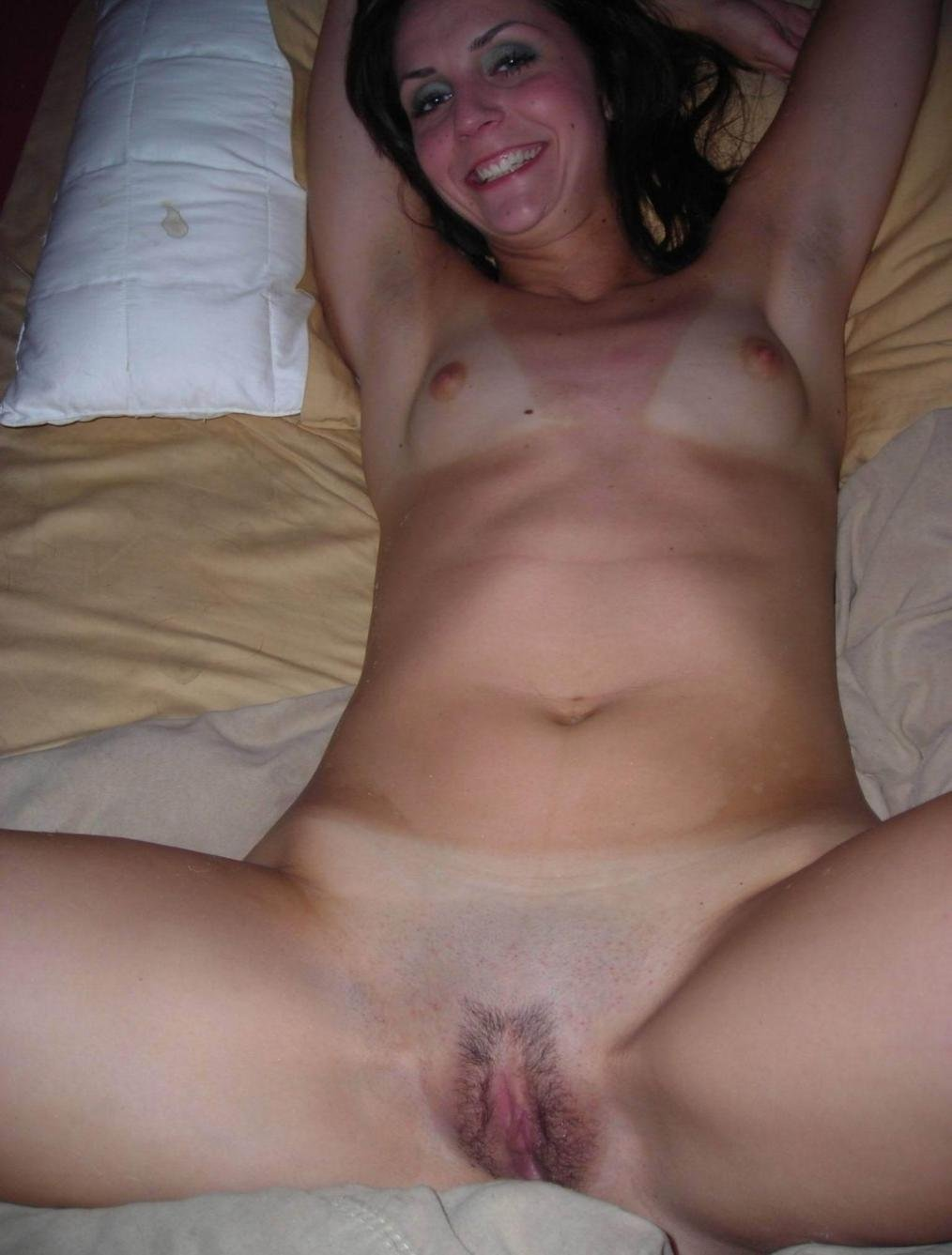 Horny wife gets her wet pussy fisted