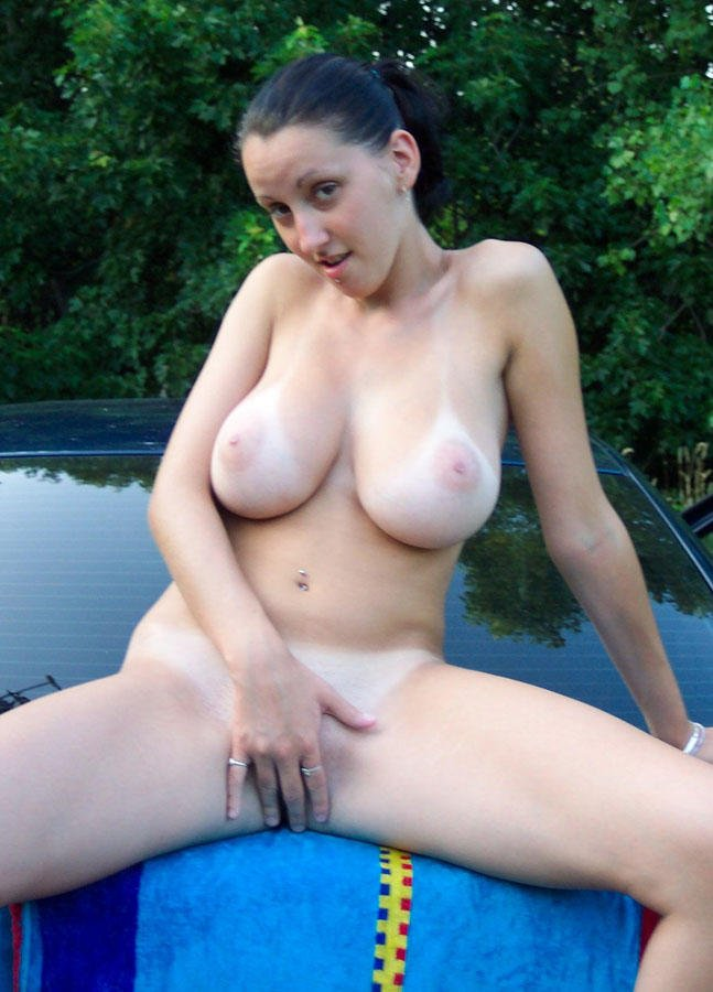 Nam    reccomend Cutie Eurobabe flashes her tits for cash