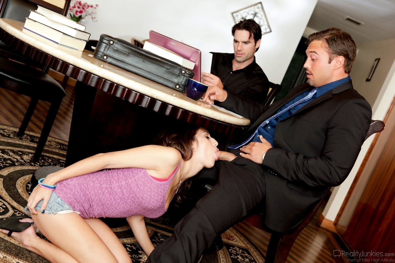 Wife tricked blindfolded dp threesome