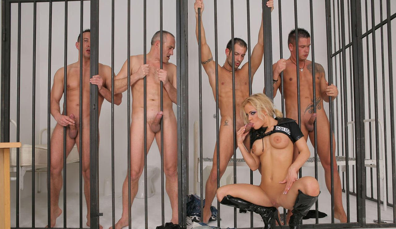 Jail nude sex — 4