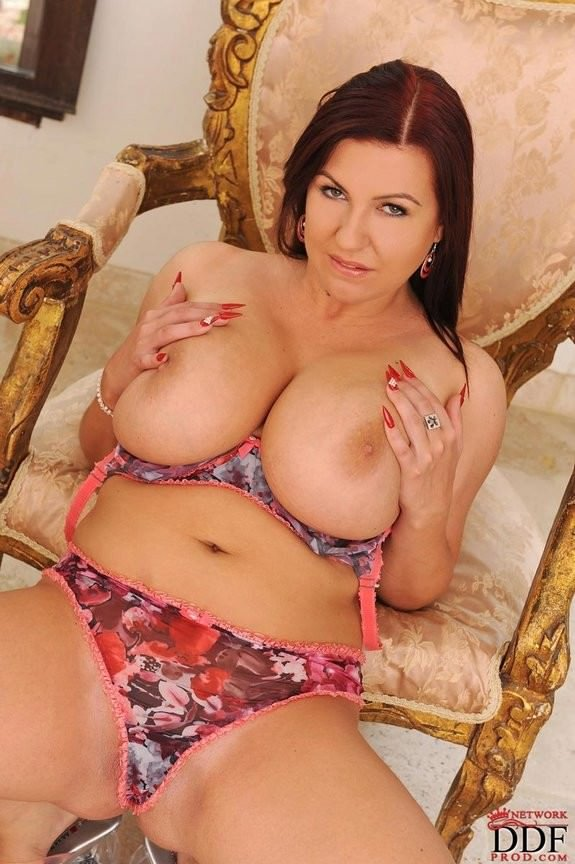 cheating housewife hd sexy big boobs images
