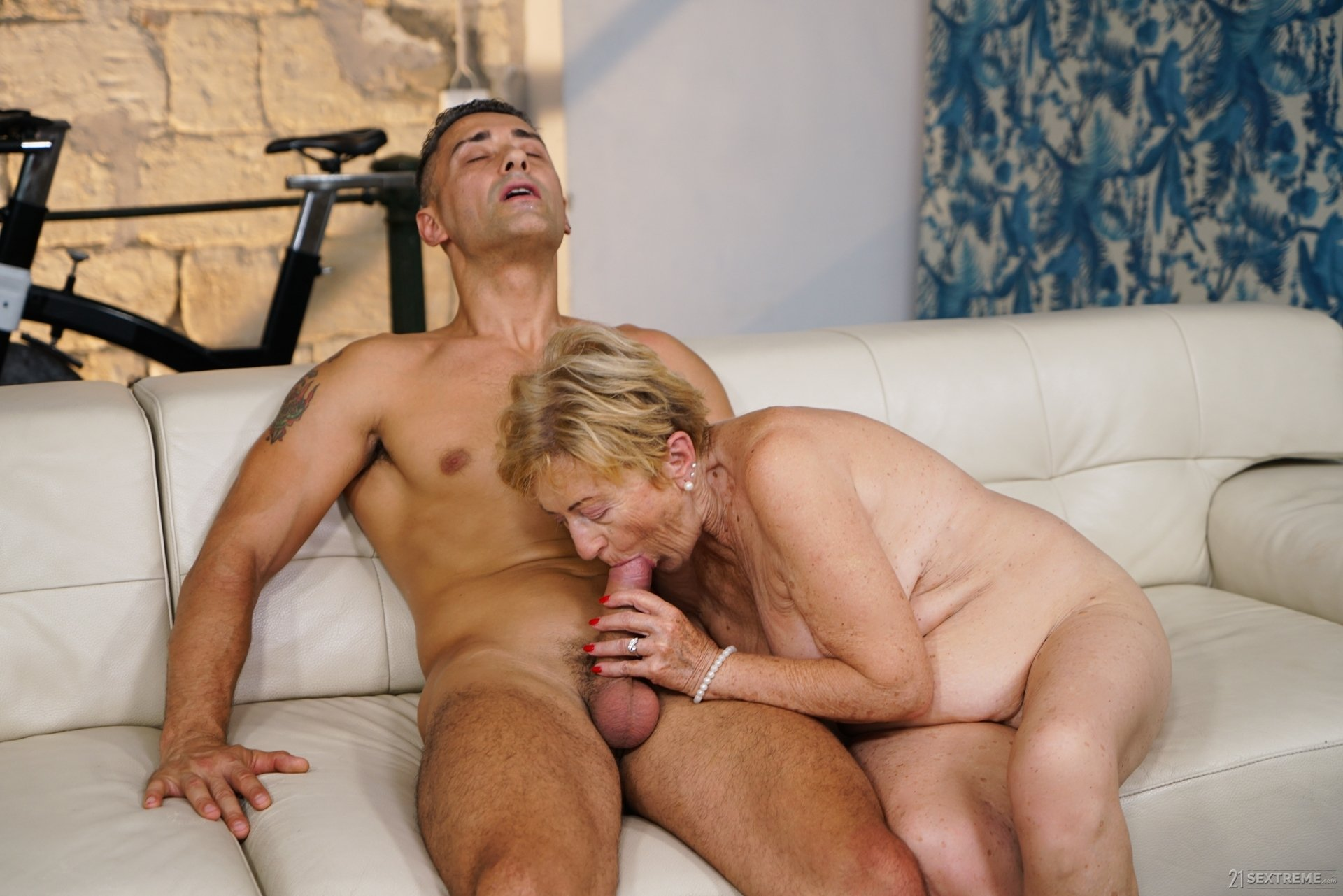 80 year old naked grannies Ex girlfriend deepthroat