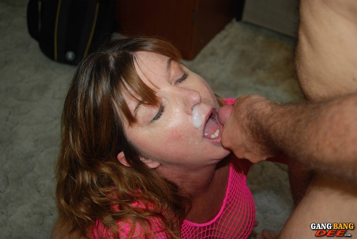 Pictures woman 7 4 320 naked Interracial - White Lady Confesses Her Sins at Gloryhole 25