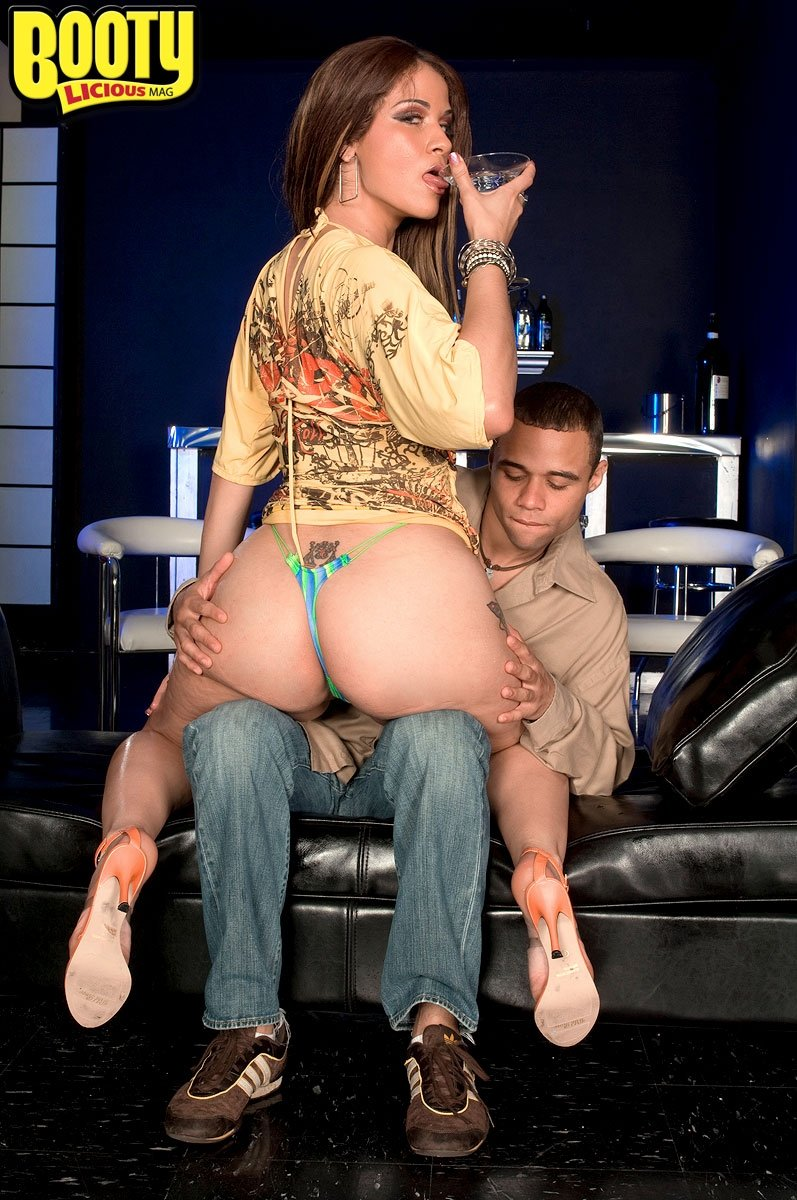 Nazragore    reccomended Busty art deepfucking in the backstage