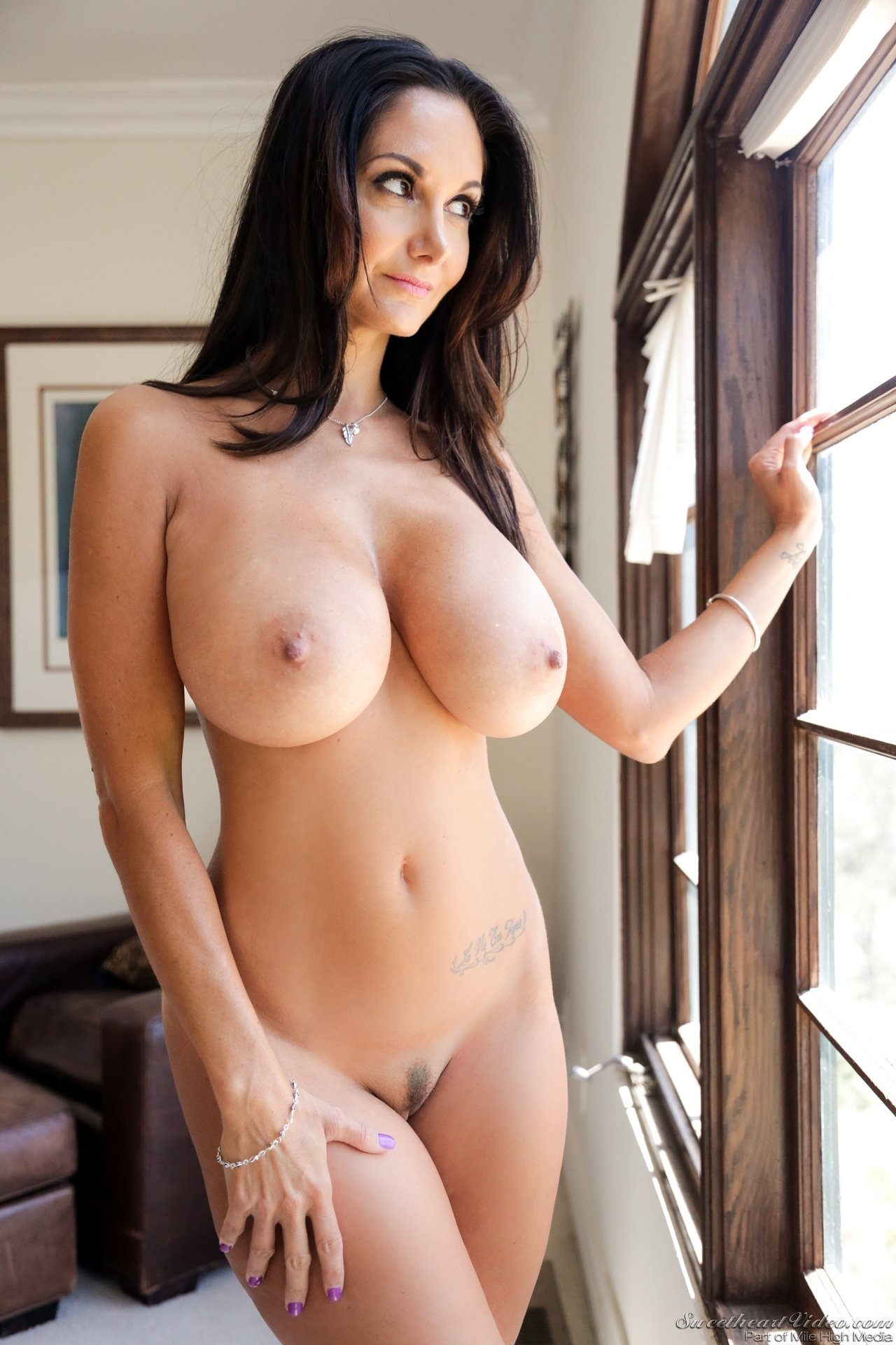 Showing Porn Images For Perfect Natural Tits Solo Hd Porn -4592