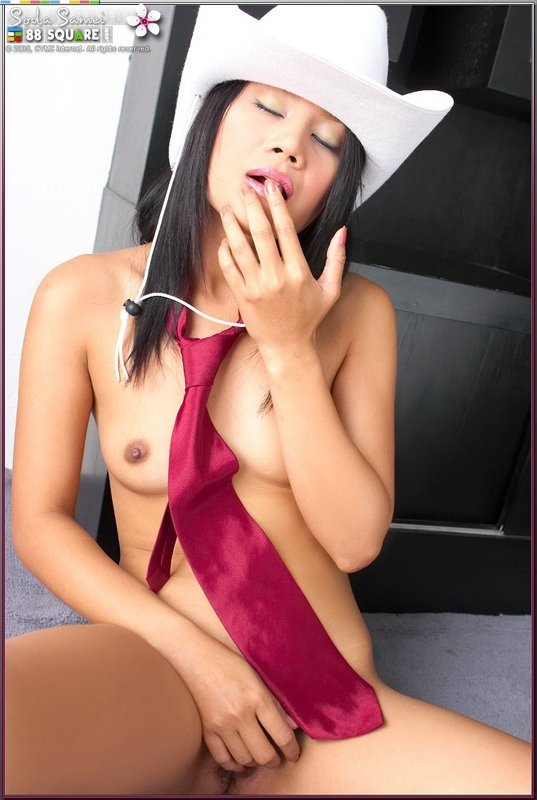 indian slim girl nude