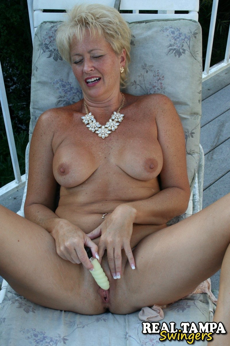 naked pictures of mature black women