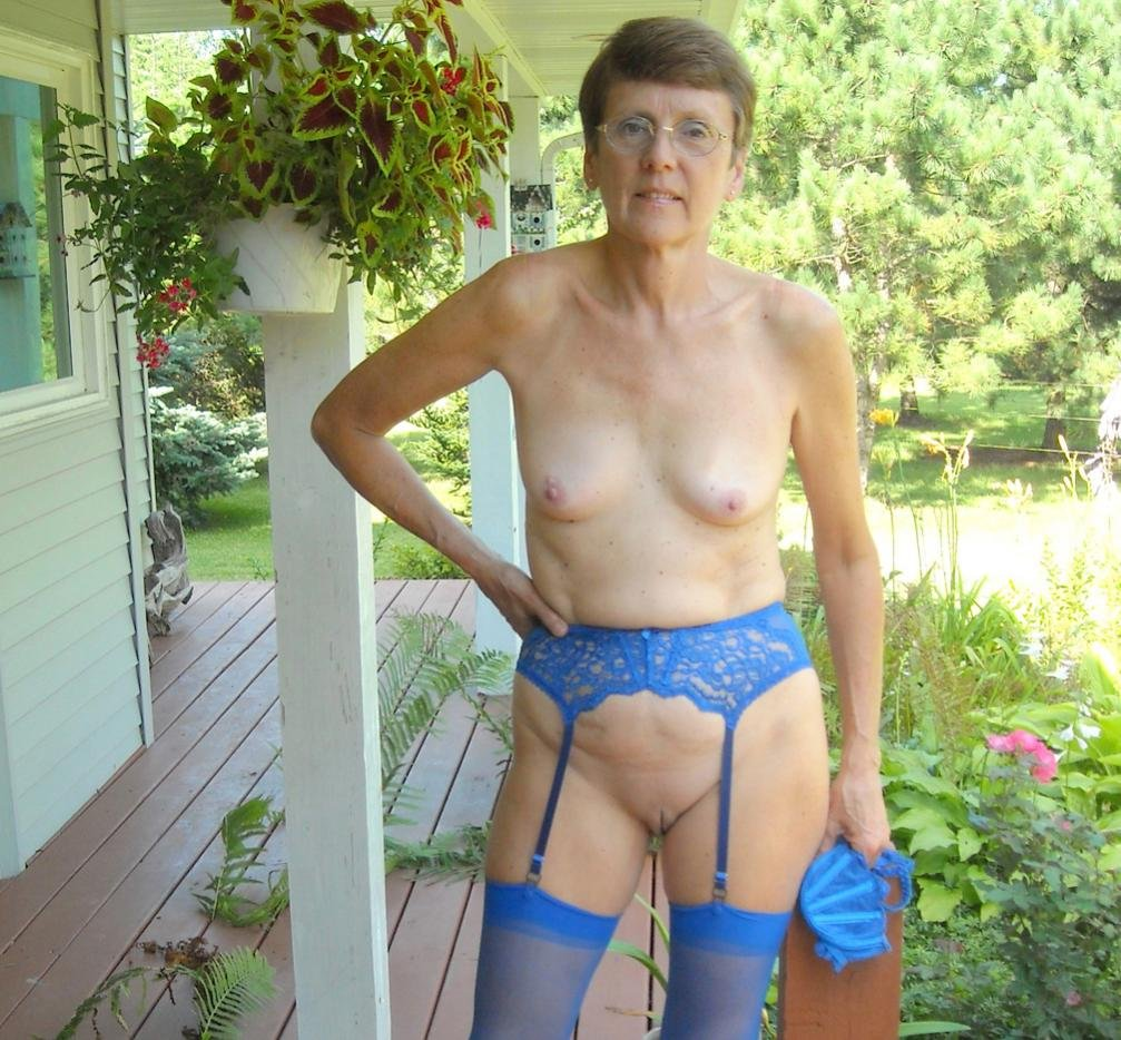 pictures of very old naked grannies