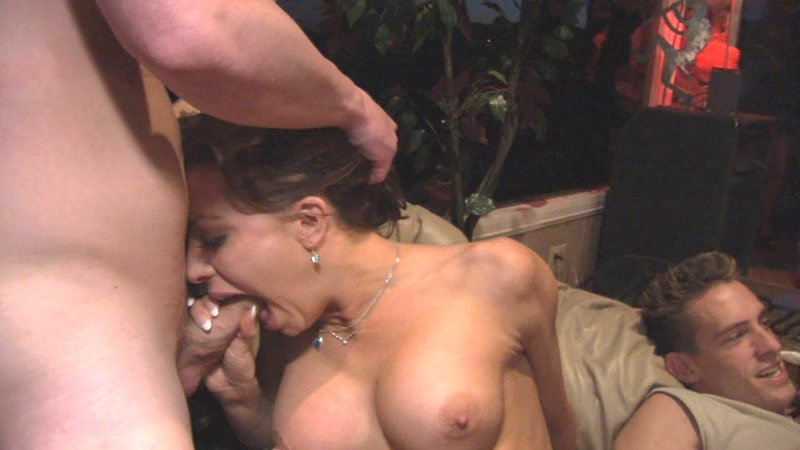 Fenritaxe    reccomended shy blonde seduced by sexy brunette