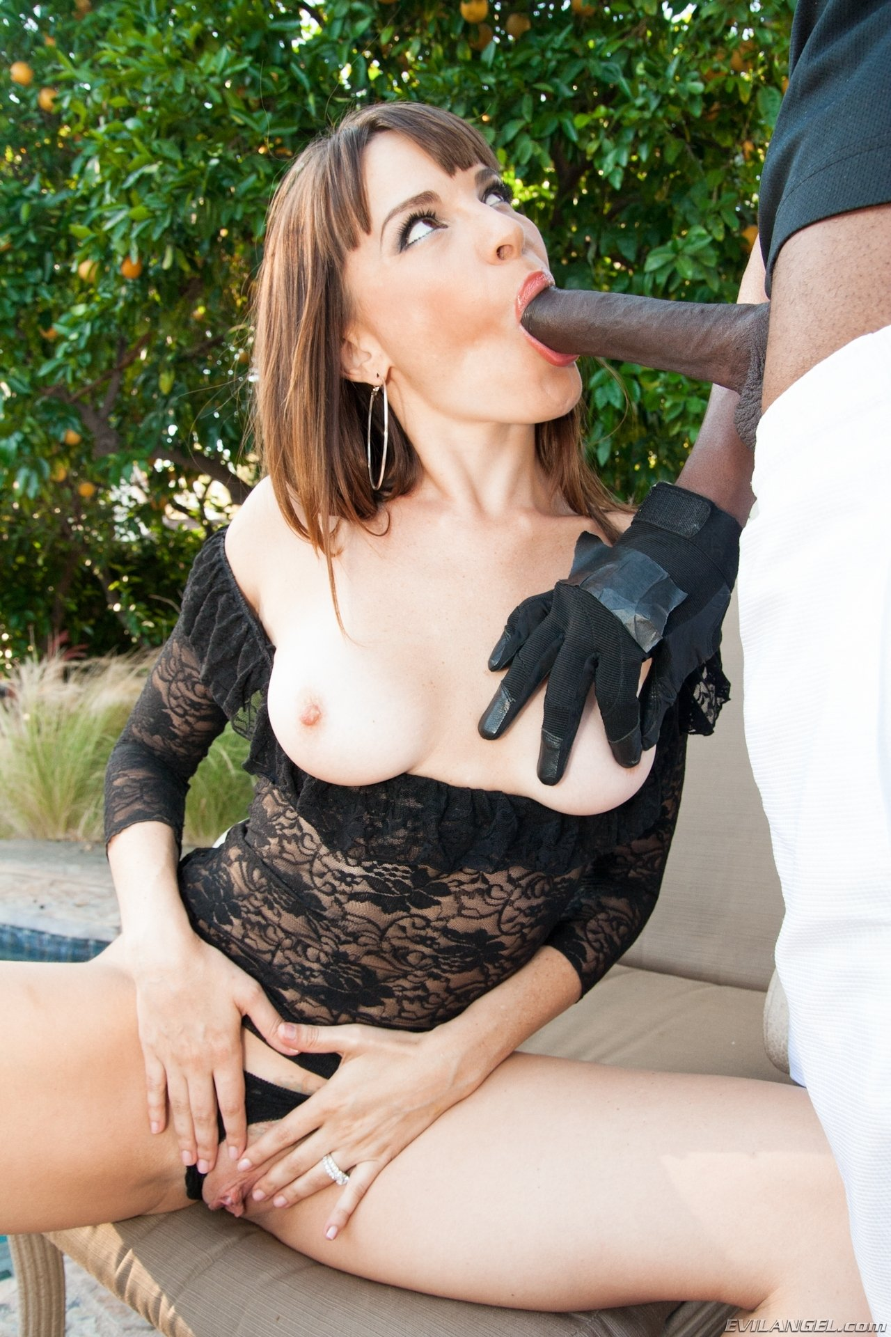 Sara luvv anal interracial Mom and son sex chating father