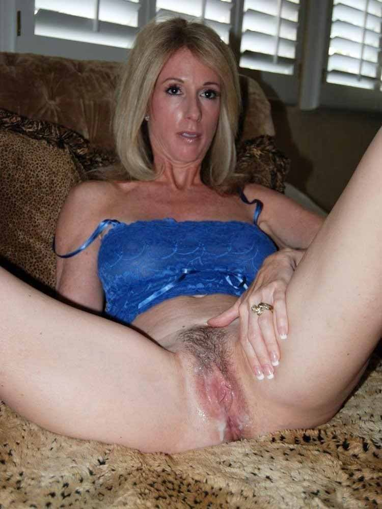 Sexy wife gets fucked