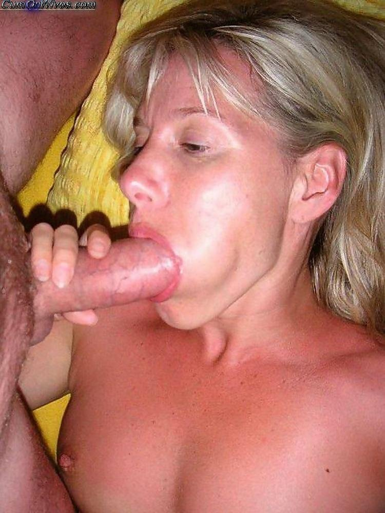 Foot worshipped babe takes cock there