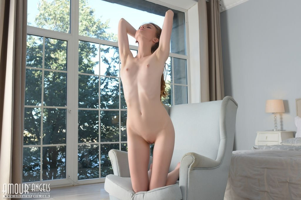 busty chinese nude