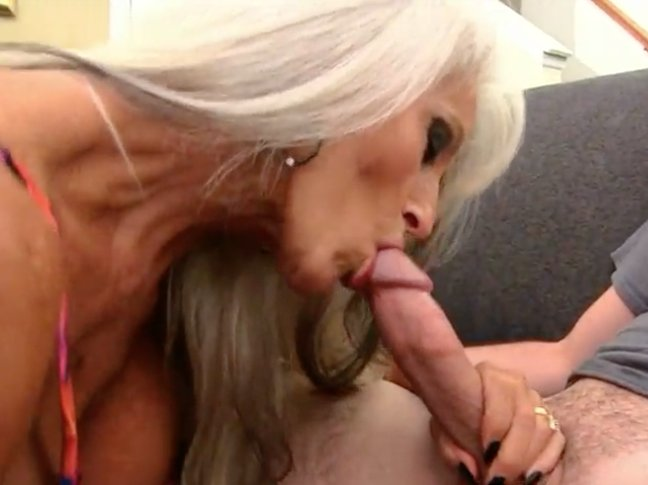 Drilling sister from behind incezt