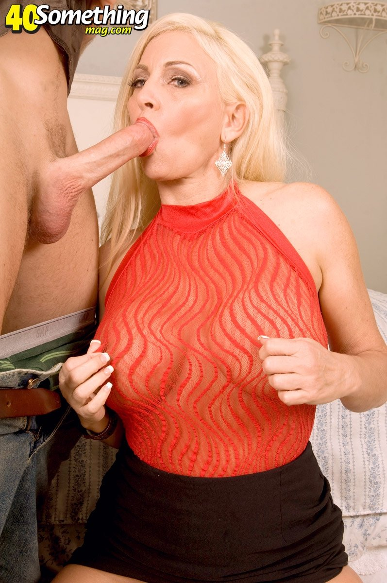 sexy milf lesbian videos there