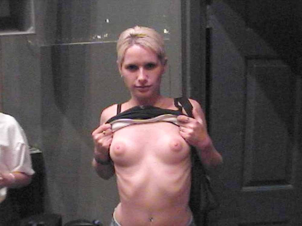 naked grandma gallery