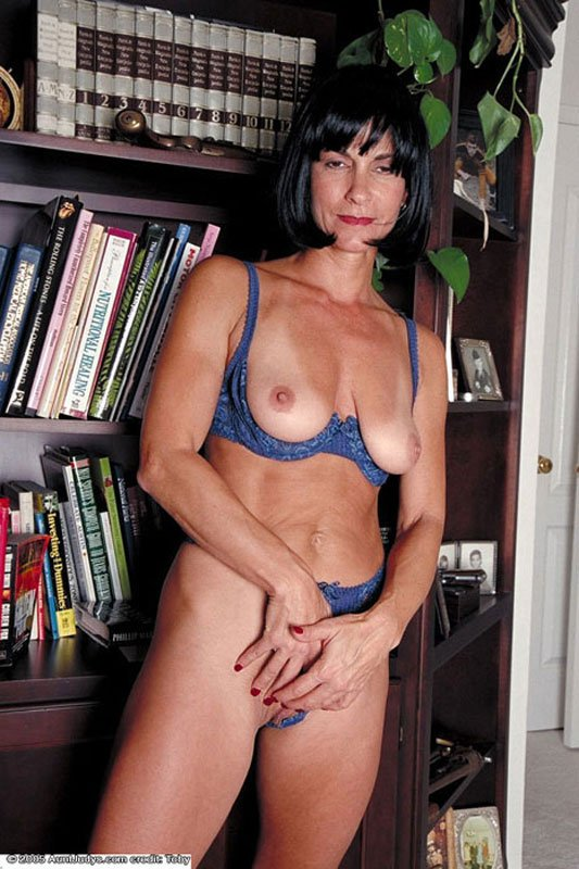 Amateur mature stocking sex moview