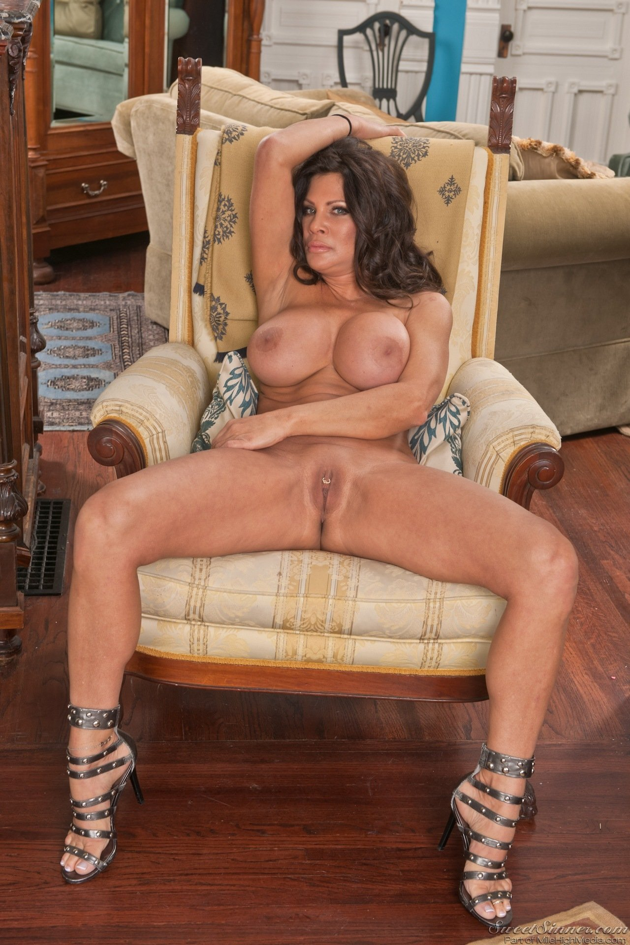 big naked milf add photo