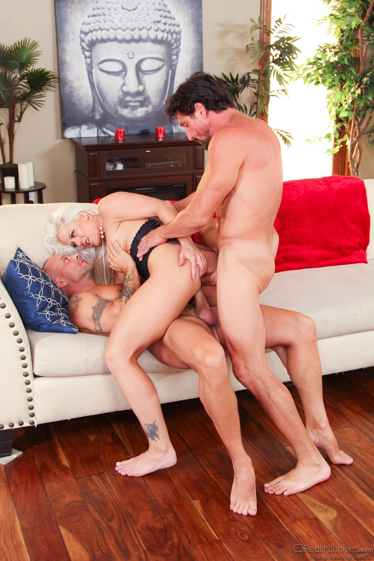 Facial stories xxx Husband share blindfolded wife