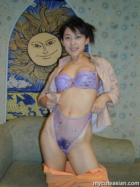 Video chat flash adult Beautiful Japanese milfs have huge