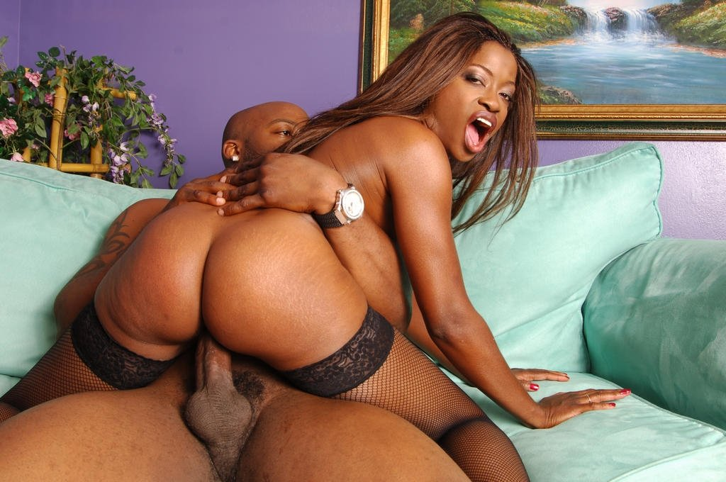 Sexy Black Pornstar Monique Spreading Her Legs And Riding -2456