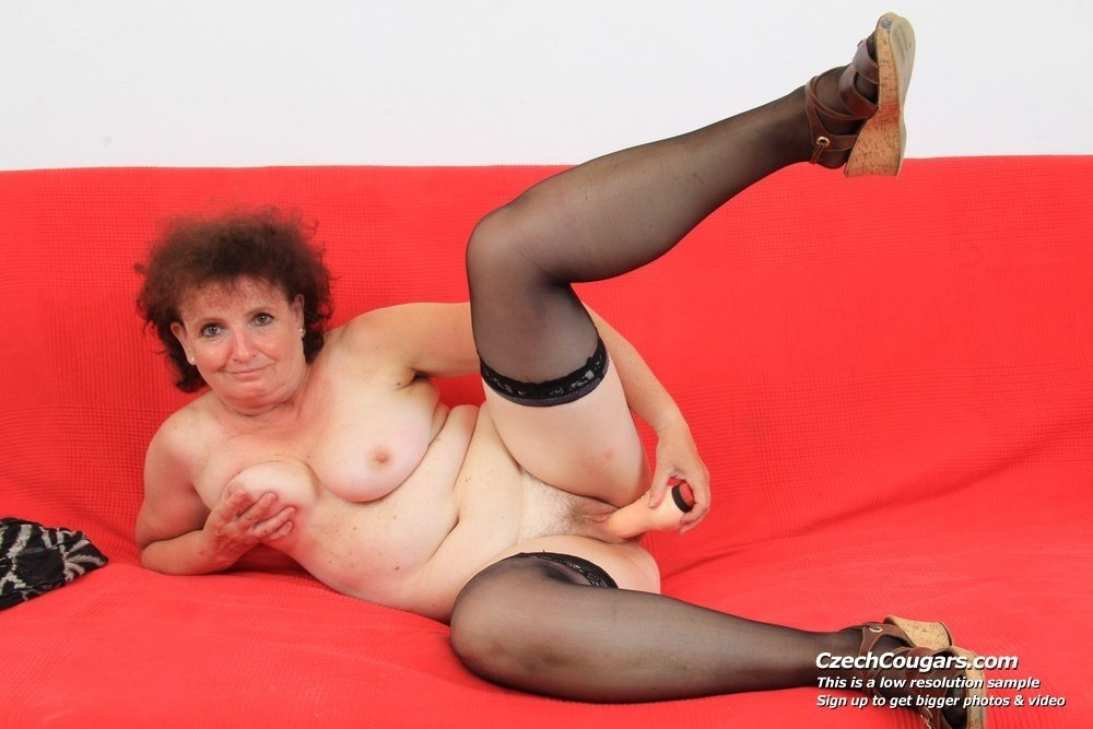 older beautiful women naked
