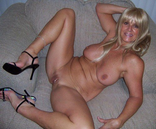 Mature amateurs in nylon