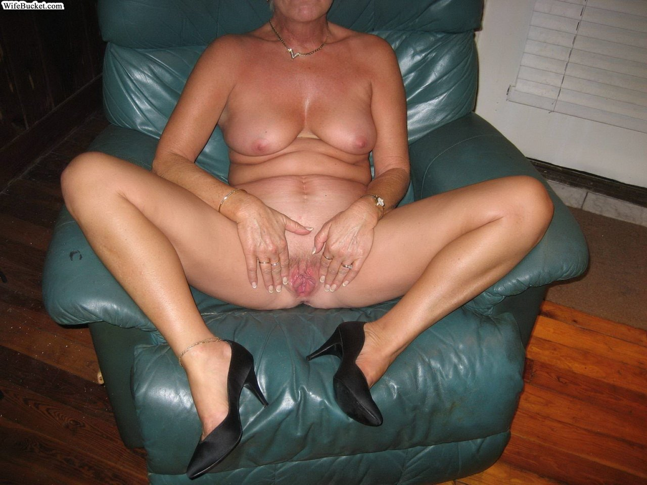 Cuckold bbc trainer Story mothe add photo
