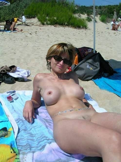 nude aunty outdoor