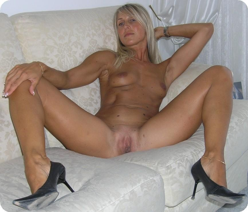 cuckold porn amature there