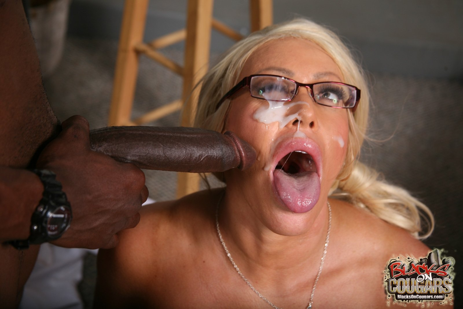 black pusy creampie