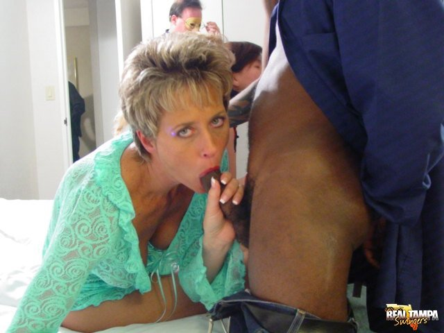 hot black mature moms